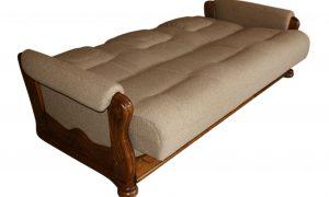 rozłożona kanapa z tkaniny